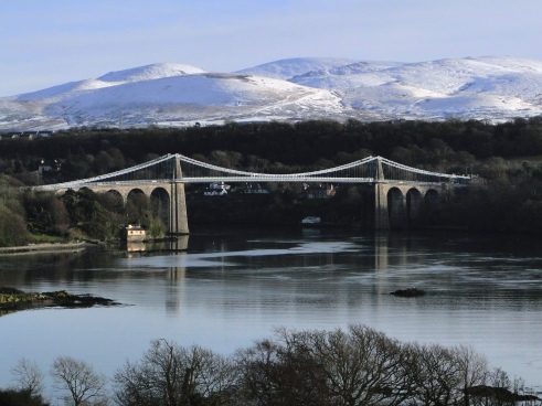 Menai_Suspension_Bridge_Dec_09